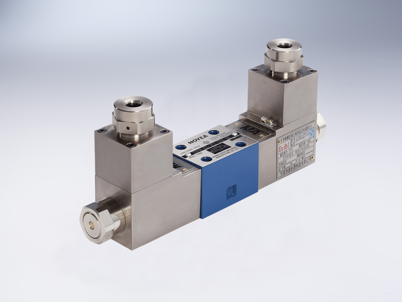 Explosion isolation proportional directional control valve (50)